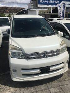 中古車カーリース トヨタヴォクシー フロント 外装